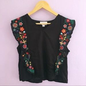 Tops - Flouncy embroidered flower tank